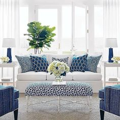 Today's dream destination: a soothing sunroom in shades of blue and white. (via partner @thibaut_1886) #indooroutdoorfabric #Thibaut #blueandwhiteforever