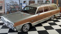 Dodge Monaco.....but no wood, not so hot rod this way