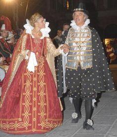 Spoletonline - Martina Colombari protagonista del Corteo Storico della Quintana  Foligno    Umbria