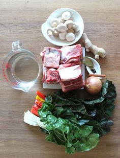 Aromatic Beef Soup with Mshrooms and Chard (a paleo dish via mark's daily apple) pho w/o noodles? Bowl Of Soup, Soup And Salad, Paleo Vegetables, Paleo Soup, Slow Food, How To Eat Paleo, Different Recipes, Food Preparation, Soups And Stews
