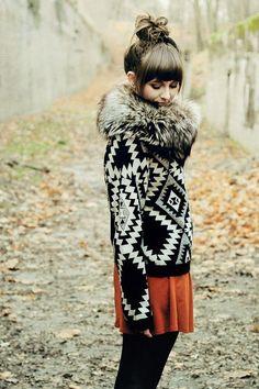 Need a fur collar this winter Looks Style, Style Me, Fashion Moda, Womens Fashion, Autumn Winter Fashion, Fall Fashion, Fall Winter, Autumn Style, Knit Fashion
