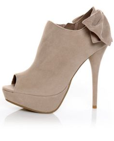 Bamboo Colada 52 Nude Back Bow Peep Toe Booties ($41)