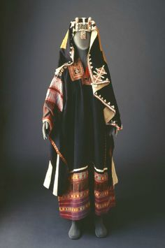 Mansoojat: The Virtual Museum of #Saudi Arabia's Traditional Costumes > Featured in Oasis Magazine