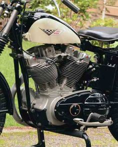 The 1958 Harley-Davidson XLCH Sportster was born of competition stock. Harley Davidson Helmets, Harley Davidson Museum, Classic Harley Davidson, Harley Davidson Sportster, American Motorcycles, Triumph Motorcycles, Ironhead Sportster, Bmx Bicycle, Motorized Bicycle