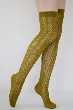 Crochet over the knees made in Japan. Fashionable and unique knitted thigh highs.