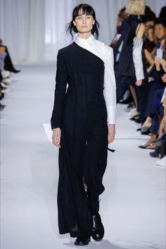 Sfilata Ann Demeulemeester Parigi - Collezioni Primavera Estate 2017 - Vogue