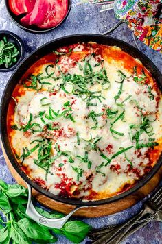Two of our favorite Italian classics come together in this mouthwatering, nutrient filled eggplant lasagna . Made with seasonal ingredients and Explore Cuisine Green Lentil Lasagne Noodles. No oven required! Vegan Eggplant, Eggplant Lasagna, Cooking Eggplant, Eggplant Dishes, Baked Eggplant Recipes, Light Soups, Fennel Recipes, Gluten Free Bread Crumbs, Homemade Hummus