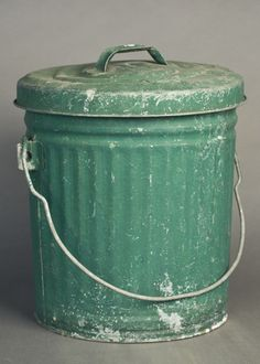 METAL Green Vintage Trash Can/Storage bin - 2013 Color of the Year