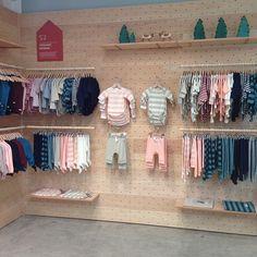 Kids Store Display, Store Displays, Retail Displays, Window Displays, Pegboard Display, Clothing Store Design, Retail Store Design, Retail Stores, Visual Merchandising Displays