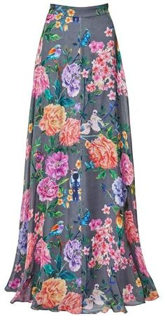 A unique, distinctive design to style with our printed separates. Silk draping falls lightly over the neckline and slightly exposes the midriff. Style this soft satin top tucked into high-waisted skirts or wear loose. Maxi Skirt Style, Dress Skirt, Plain Tops, Satin Top, Silk Wrap, Matthew Williamson, Matching Shirts, Beautiful Outfits, Beautiful Clothes