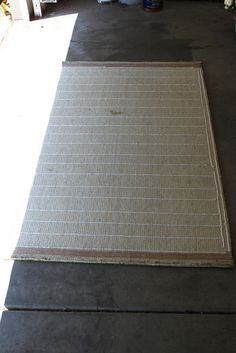 DIY – SLIP PROOFRUG (using silicone-based caulking)  Note Blog links when viewing pin.