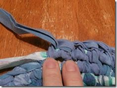 Crochet Braids Kids Rag Rug Tutorial 57 Ideas For 2019 Fabric Crafts, Sewing Crafts, Crochet Braids For Kids, Toothbrush Rug, Homemade Rugs, Rug Loom, Braided Rag Rugs, Rag Rug Tutorial, Crochet Video