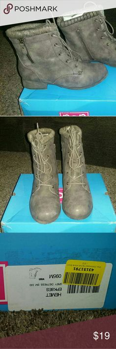 Women's Combat Boots Booties Military Style Sz 10 New in Box. Zips up side for easy on and off. Sweater like cuff. Olive Green/Taupe-ish Distressed Color. Size 10. Only wore to try on inside the house. Super Trendy, Super Comfy. Super easy to get on and off. pop Shoes Ankle Boots & Booties