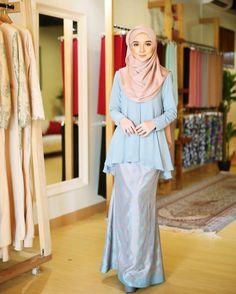 "1,422 Likes, 171 Comments - Fiona Dress ; 15 July 2017 (@minimalace) on Instagram: ""Nantikan koleksi Zara Songket dengan 5 colour yg menarik. Material songket kami import tau, so…"""