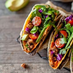 Chicken & Black Bean Double Decker Tacos - A double decker taco with ground chicken, mashed black beans between the soft & hard shells, and tons of flavorful toppings Wrap Recipes, Beef Recipes, Healthy Recipes, Quesadillas, Enchiladas, Veg Tacos, Guacamole, Taco Pictures, Butternut Squash Bread