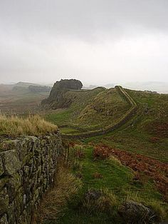 Pictures of Places Along Hadrian's Wall: Hadrian's Wall Crosses Britain