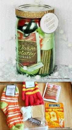 Diy gifts for friends teens homemade mason jars 42 Super Ideas Diy Gifts In A Jar, Mason Jar Gifts, Craft Gifts, Mason Jars, Gift Jars, Fun Gifts, Homemade Gifts For Men, Pots Mason, Candy Gifts