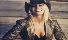 Ciclo Musiketan: Danni Leigh Country Music, Leather Jacket, Lifestyle, People, Jackets, Star, Artist, Fashion, Concert