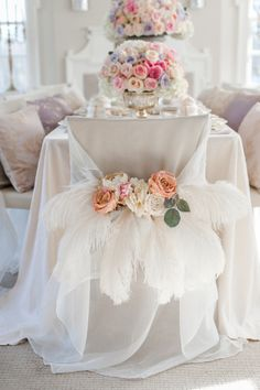 """Say the name """"Marie Antoinette"""" and immediately visions of opulent design and gorgeous gowns pop into your head. It just happens. So starting off the week with a Marie Antoinette-inspired shoot from the talented team ofPaige Lewis Events,Anista DesignsandKrista Fox(amongmanyothers) is a total"""