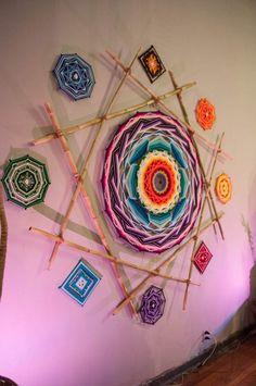 Chino mandalero Mandala Design, Mandala Art, God's Eye Craft, Diy Dream Catcher Tutorial, Dream Catcher Art, Gods Eye, Thread Art, Yarn Bombing, Weaving Projects