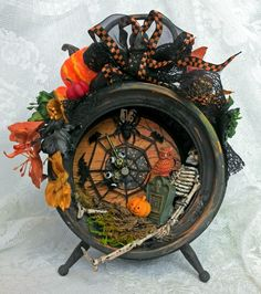 Artfully Musing: HALLOWEEN BLOG PARTY – 13th HOUR CLOCK GIVEAWAY, FREE TREAT BOX TEMPLATE & HALLOWEEN IMAGES
