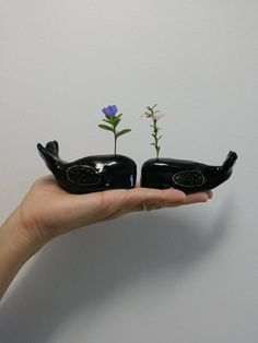 Whale Flower display von GailCCceramics auf Etsy