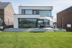 Best Home Decorating Ideas - Top Designer Decor - Beautycounter: Clean Beauty Architecture Bauhaus, Architecture Design, Modern House Plans, Modern House Design, Casa Loft, Facade House, House Facades, House Exteriors, House Goals