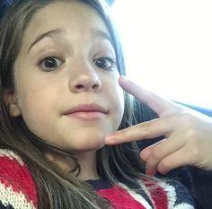 mackenzie taking selfies on the bus Dance Moms Funny, Dance Moms Girls, Mack Z, Snapchat Selfies, Mackenzie Ziegler, Dance Moves, These Girls, Mom Humor, Role Models