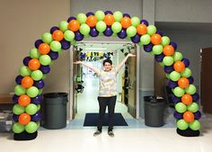 More customer creativity! Our DIY balloon arch kits make the perfect decoration for any school occasion!