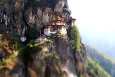 """Paro takstsang aka Tiger's nest, located in the cliffside of the upper #paro valley, in Bhutan. A temple was bulit in 1692. It was a little hot up there…"""