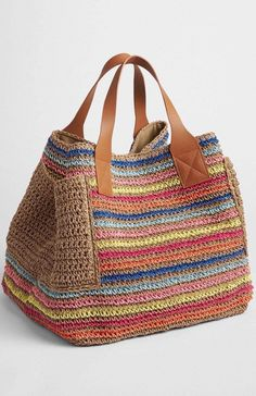 Crochet Bag Pattern Design Ideas for This Summer - Page 34 of 55 - Beauty Crochet Patterns! einzigartige oma quadrate Crochet Bag Pattern Design Ideas for This Summer - Page 34 of 55 - Beauty Crochet Patterns! Crochet Shell Stitch, Crochet Tote, Crochet Handbags, Crochet Purses, Knit Crochet, Crochet Granny, Crochet Shawl, Crochet Stitches, Purse Patterns