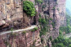 Os moradores tinham que percorrer 720 degraus quase verticais para chegar ao mundo exterior, até que... - iStock