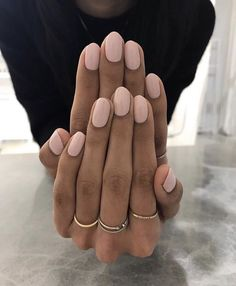 Take from Le Manoir. The post Nehmen Sie von Le Manoir. & Nägel appeared first on Powder dip nails . Hair And Nails, My Nails, Shellac Nails, Gel Nails At Home, Dipped Nails, Manicure E Pedicure, Manicure Ideas, Short Nail Designs, Nagel Gel
