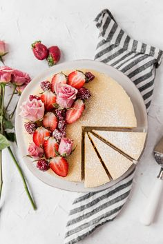 Creamy Mascarpone Cheesecake — To Salt & See You can find Mascarpone and more on our website.Creamy Mascarpone Cheesecake — To Salt & See Brownie Desserts, Oreo Dessert, Healthy Dessert Recipes, Health Desserts, Cheesecake Classique, Biscuits Graham, Classic Cheesecake, Cupcakes, Cupcake Cookies