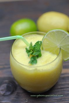 Batido de Piña y Jengibre --> Pineapple and Ginger Smoothie #lactosefree #sinlactosa