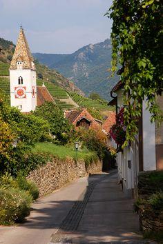 Mein Tagesausflug in die Wachau   My daytrip in the Wachau   daisiesandglitter Austria, Day Trips, Sidewalk, Travel, Hiking Trails, Explore, Landscape, Viajes, Side Walkway