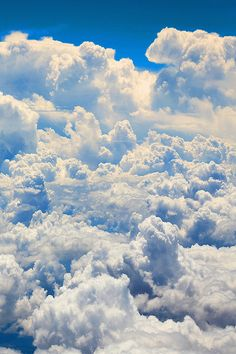 The above details that entail a Painting Clouds: Step by Step Guide For Beginners sum it up all. So, the next time you are ready with your canvas and brushes for a cloud painting, make sure you have these steps registered in your mind. White Clouds, Sky And Clouds, Storm Clouds, Cloud Wallpaper, Sky Aesthetic, Above The Clouds, Beautiful Sky, Celestial, Belle Photo