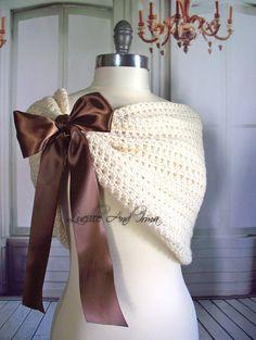 Haussement d'épaules brun Wrap nuptiale par LucilleandIrma sur Etsy