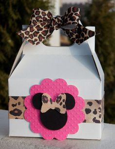 MINNIE MOUSE Gift Boxes in Hot Pink and Leopard Print. I think A light pink box instead of white though