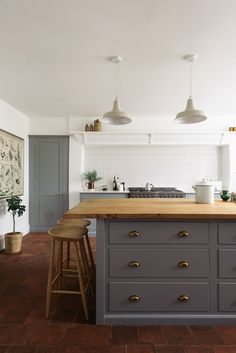 Country Style Kitchen Cabinets - Country Style Kitchen Cabinets, 100 Best Kitchen Design Ideas Of Country Kitchen English Kitchens, Modern Farmhouse Kitchens, Rustic Kitchen, New Kitchen, Kitchen Decor, Kitchen Design, Awesome Kitchen, Kitchen Ideas, Farmhouse Sinks