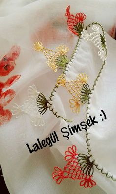 This Pin was discovered by Zey Needle Tatting, Needle Lace, Hairpin Lace, Lace Making, Baby Knitting Patterns, Hair Pins, Needlework, Diy And Crafts, Tassels