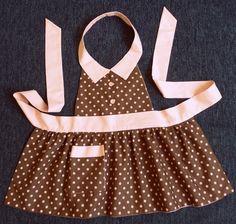 Avental infantil forrado e em tecido 100% algodão. Veste meninas de até 05 anos  Após o recebimento do seu pedido, avalie o nosso atendimento aqui na loja! A sua opinião é muito importante para nós.