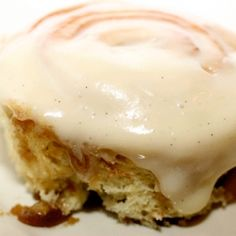 Cinnamon roll cream cheese bun