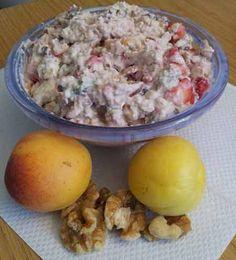 Stefans Frühstück zum Sattwerden: Müsli mit Erdbeeren, Aprikosen und Walnuss