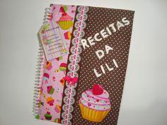 Caderno de receitas encomendado para as convidadas trazerem uma receita para o chá de cozinha.