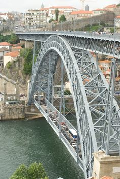 Porto - top 10 - Marine is Cooking Douro Portugal, Portugal Travel, Bridges Architecture, Asphalt Road, Douro Valley, House On Stilts, Arch Bridge, Bridge Design, Iron Work