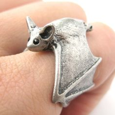 This is a listing for an adjustable 3D bat animal hug wrap ring in MATTE silver! It is an open ring and can be made to fit any size from 5 through to size 9 with a gentle squeeze or tug. Very detailed and super cute for anyone who loves animal jewelry. --- Sizing: - All ring sizes r...