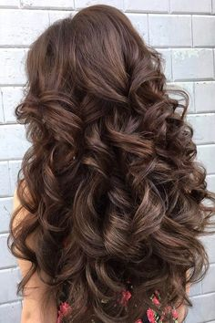 Wedding Hairstyle easy wedding hairstyles dark hair curls elstile - We propose our collection of easy wedding hairstyles. Even your bridesmaid could create such a beautiful hairstyles, you just need some time to prepare. Curled Hairstyles, Pretty Hairstyles, Hairstyles Haircuts, Beautiful Haircuts, Men's Hairstyle, Formal Hairstyles, Big Bouncy Curls, Long Face Haircuts, Unique Wedding Hairstyles