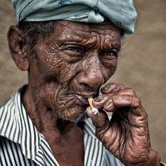 yaman_ibrahim_smoker_1