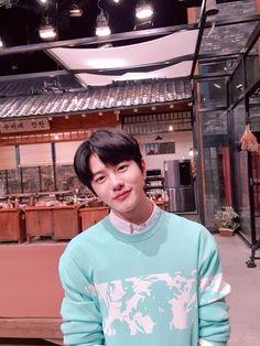 my boyfriend 💞 Korean Boys Ulzzang, Korean Men, Korean Actors, Movie To Watch List, Woollim Entertainment, Korean Boy Bands, Golden Child, Fine Men, Handsome Boys